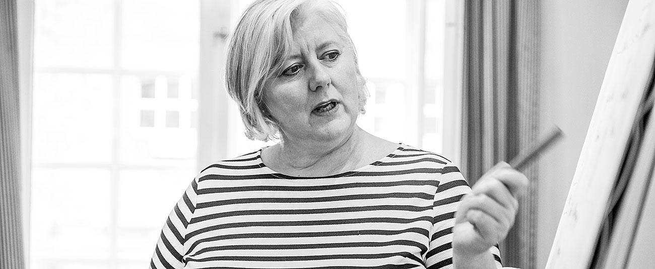 Ellen Johannsen bei der Beratung