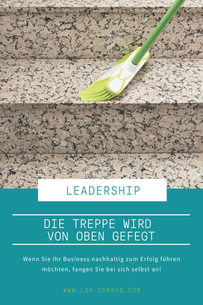 Die Treppe wird von oben gefegt: Warum Leadership Coaching unvermeidlich ist